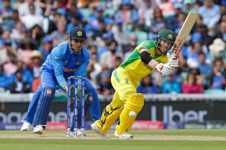 IND vs AUS, ICC World Cup 2019: Bails refuse to fall; David Warner, 5th batsman in the tournament to get saved