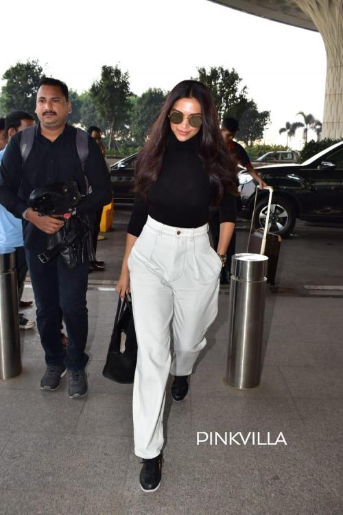 Photos: Deepika Padukone makes a stunning appearance with her patent infectious smile at the Mumbai airport