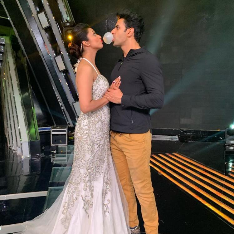 Divyanka Tripathi gets a surprise visit from Vivek Dahiya on the sets of The Voice & their PDA is adorable