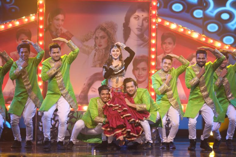 Mouni Roy pays tribute to Sridevi, Rekha and other evergreen dancing divas of Bollywood