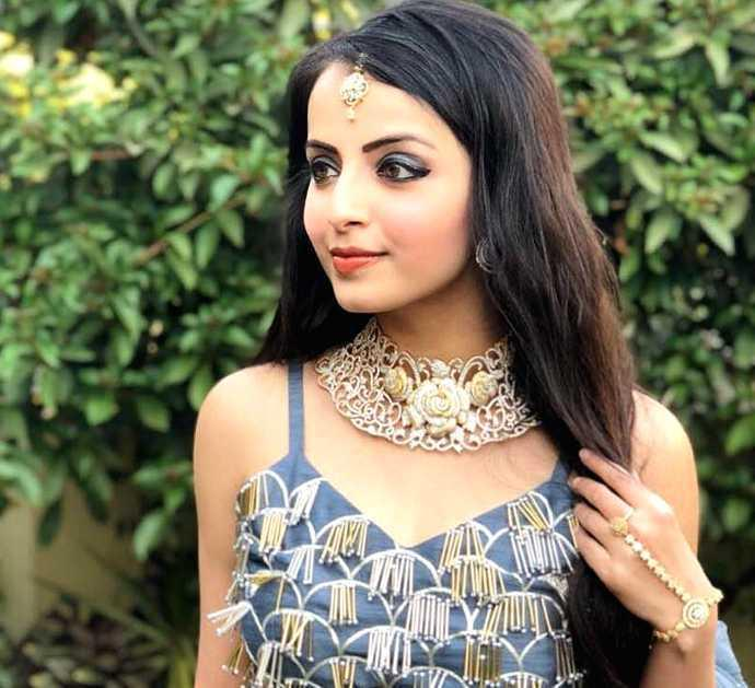 Ishqbaaaz fame Shrenu Parikh declares her love for Fawad Khan; dedicates this song to him