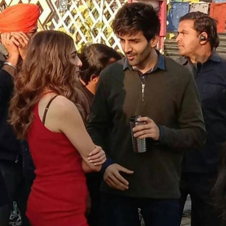 Kartik Aaryan and Sara Ali Khan spend some quality time together at the sets of a movie shoot