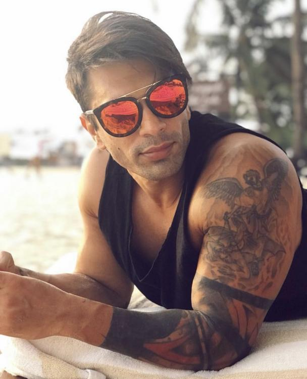 Karan Singh Grover says painting has been keeping him busy