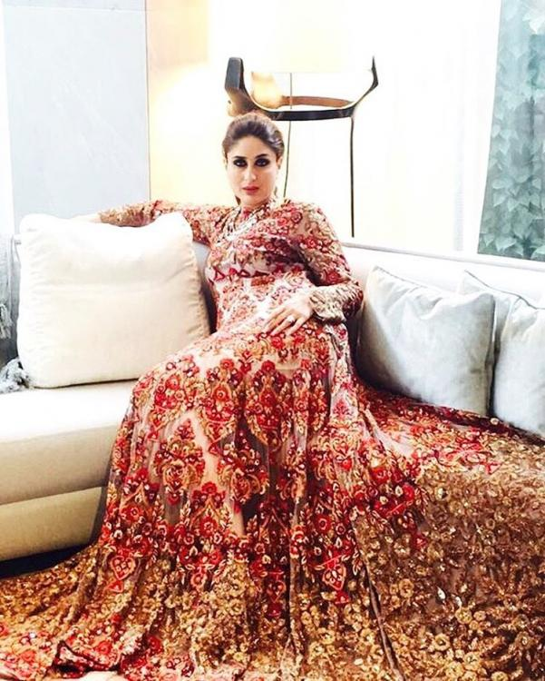 Kareena Kapoor Khan Strikes A Royal Pose Pinkvilla