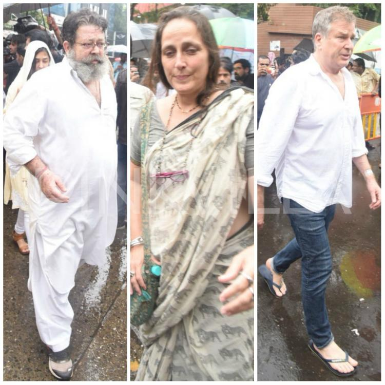 Shashi Kapoor Last Video >> Photos: Bereaved Kunal Kapoor, Karan Kapoor and Sanjana ...