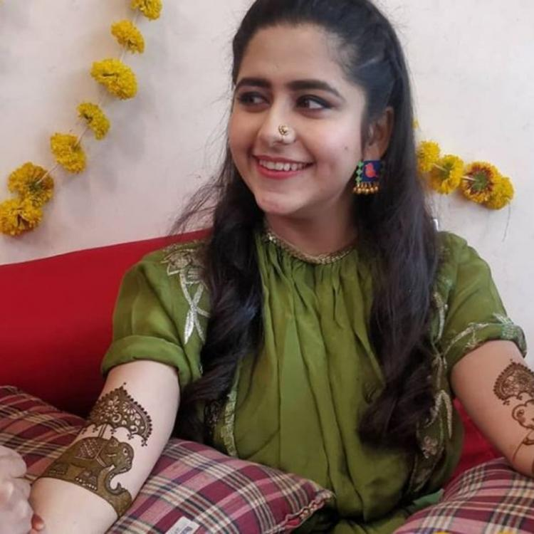Laado 2 actor Palak Jain beams with joy at her mehendi ceremony; see pics