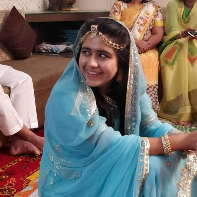 Laado 2 actor Palak Jain looks resplendent at her haldi ceremony; see pics and videos
