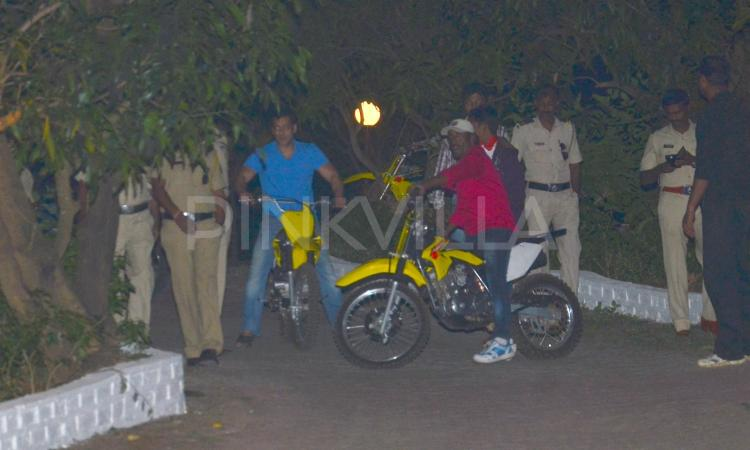Photos,salman khan,Kabir Khan,birthday bash,Mini Mathur