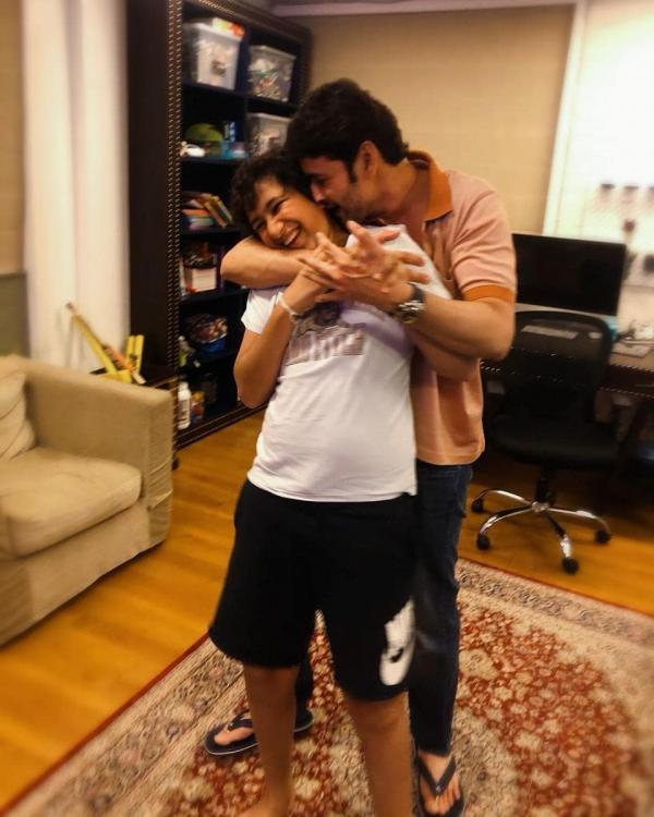 Mahesh Babu showers his son Gautham with infinite kisses and this adorable photo is setting major daddy goals