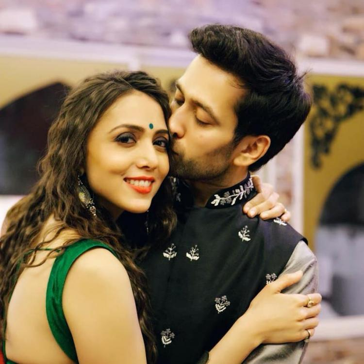 Happy Kiss Day 2019: Nakuul Mehta, Drashti Dhami, Sanaya Irani, actors who love indulging in sweet PDA