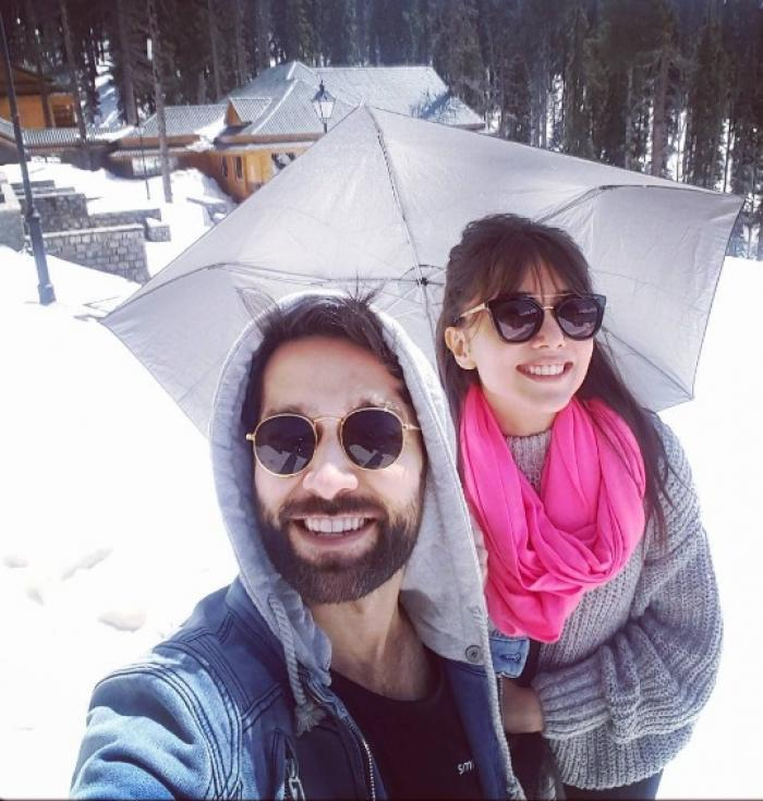 Nakuul Mehta and Jankee Parekh's banter over photo credits is every millennial couple ever