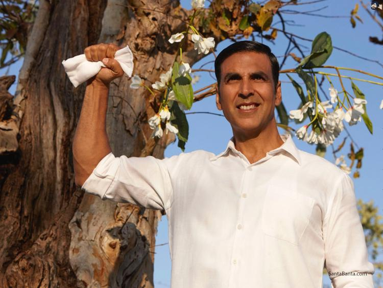 PadMan: Akshay Kumar, Sonam K Ahuja and Twinkle Khanna celebrate 1 year of its successful release