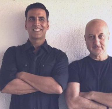 Akshay Kumar thanks Anupam Kher for backing him in his Canadian citizenship controversy; Read On