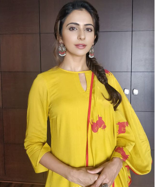 Rakul Preet savagely slams a troll who made a sleazy comment on her outfit