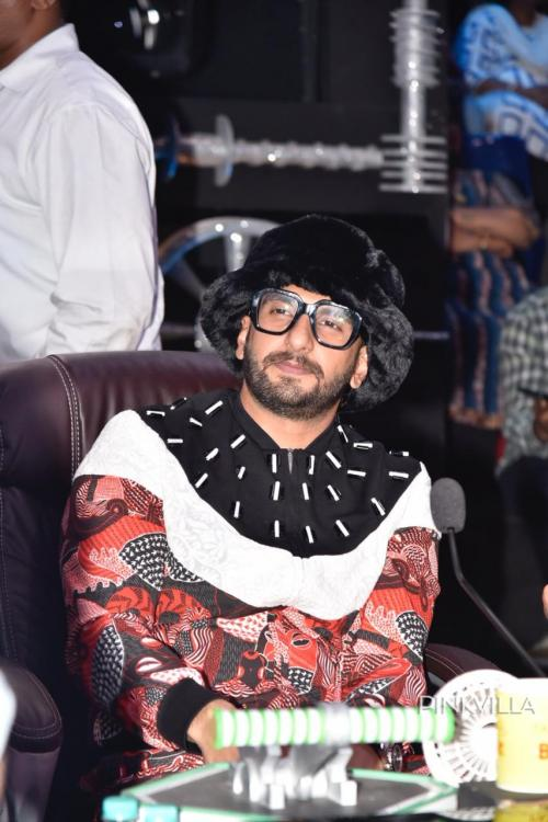 EXCLUSIVE : Ranveer Singh moved to tears on the sets of Super Dancer; here's why