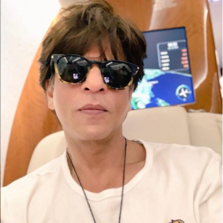 Shah Rukh Khan treats fans with a selfie as he bids goodbye to Chennai post the IPL match; view pic