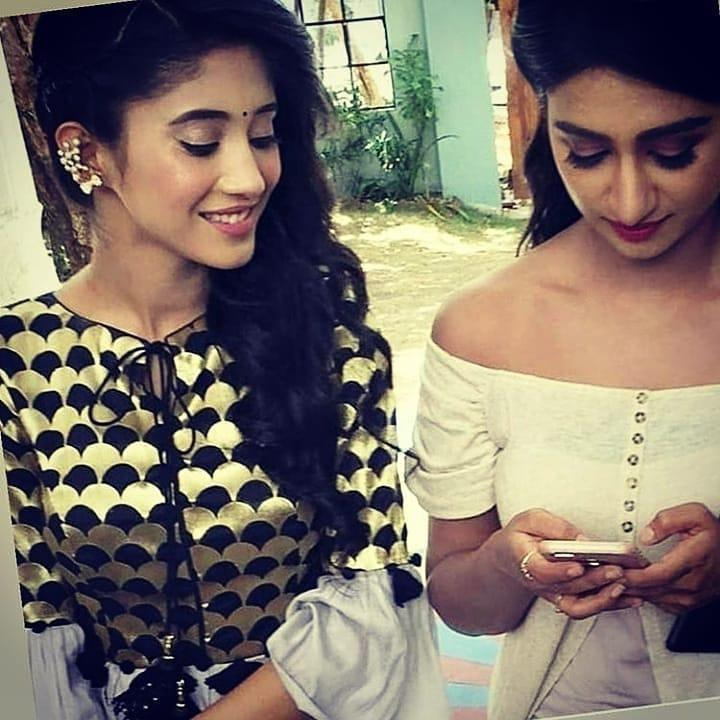 Yeh Rishta Kya Kehlata Hai: Shivangi Joshi & Mohena Kumari's fans FIGHT each other as the duo bond outside