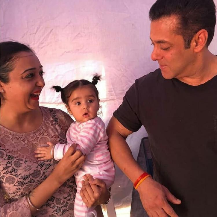 Salman Khan posing with a cute little baby while shooting Dabangg 3 in Indore is beyond adorable; See Pics