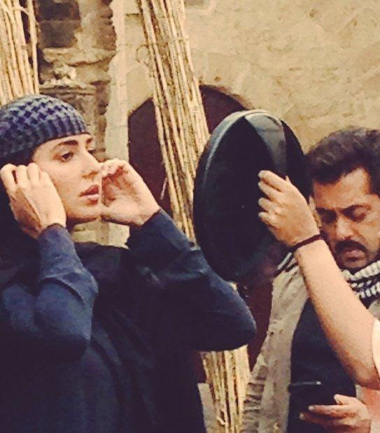 salman khan and katrina kaif are shooting for tiger zinda hai in full swing in abu dhabi there have been several pictures making the rounds from the sets
