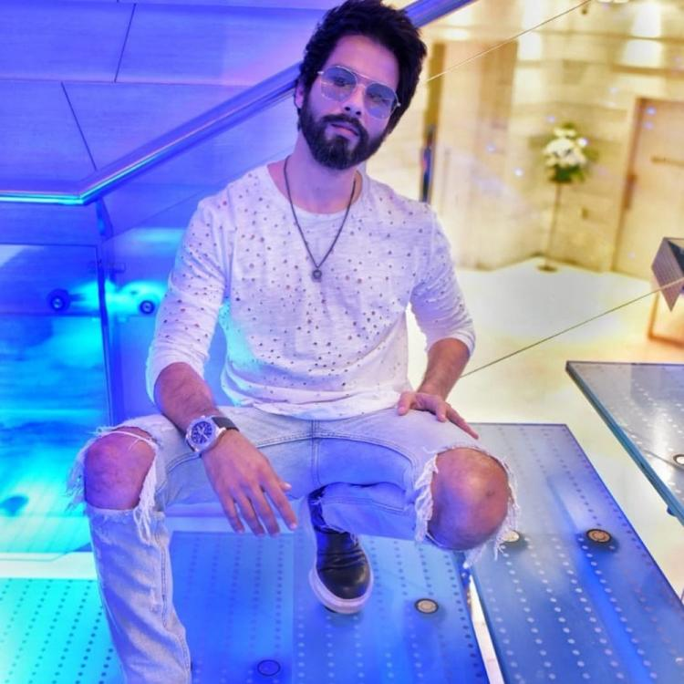 Shahid Kapoor all set to unveil his wax figure at Madame Tussauds Singapore; teases fans with a photo