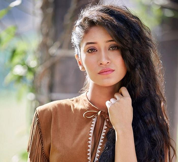 Yeh Rishta Kya Kehlata Hai: Shivangi Joshi oozes out hotness and how in an UNSEEN picture