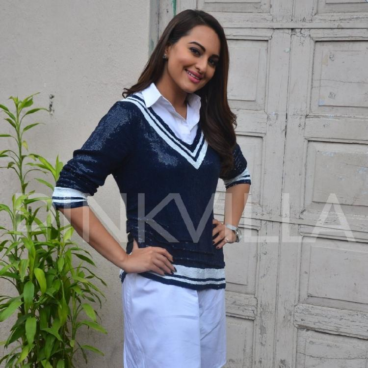 Sonakshi Sinha has a SPECIAL message for men who want to propose to her online; Details inside