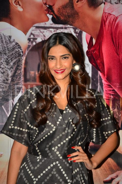 Sonam Kapoor Catches A Screening Of Ki  Ka With Other -6406