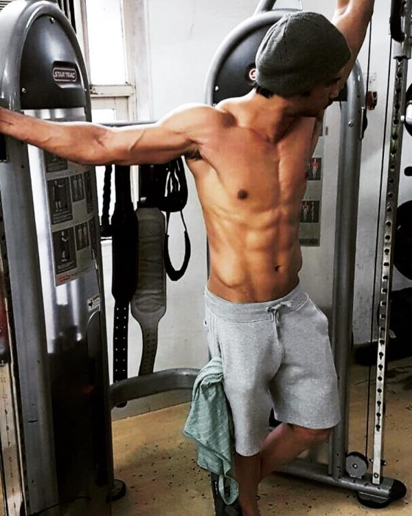 Sushant Singh Rajput flaunts his chiselled abs as he preps ...
