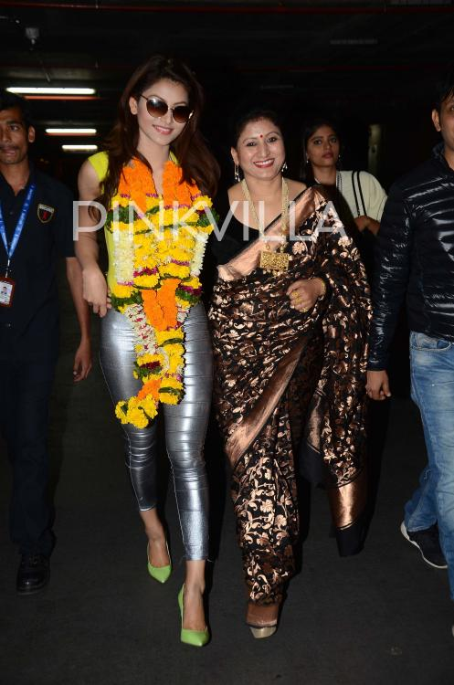Snapped Urvashi Rautelas Grand Welcome On Return From