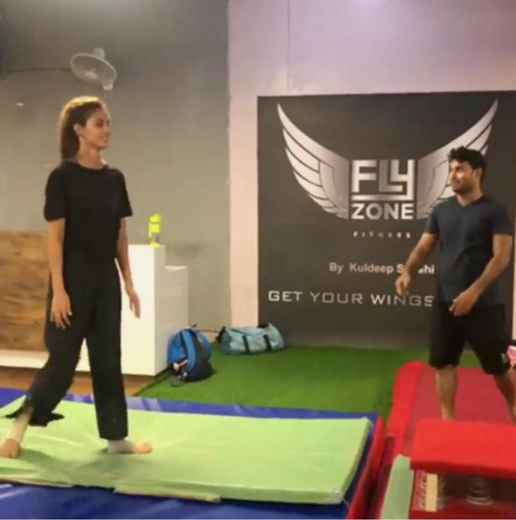 Tiger Shroff can't get over Disha Patani's back handspring video, drops by to leave THIS comment; See post