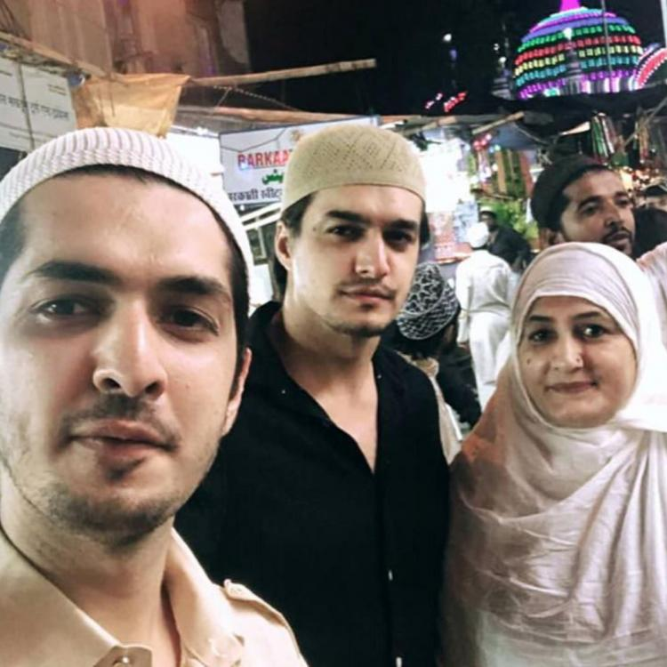 Yeh Rishta Kya Kehlata Hai's Mohsin Khan squeezes in some time with family; visits a dargah with his parents