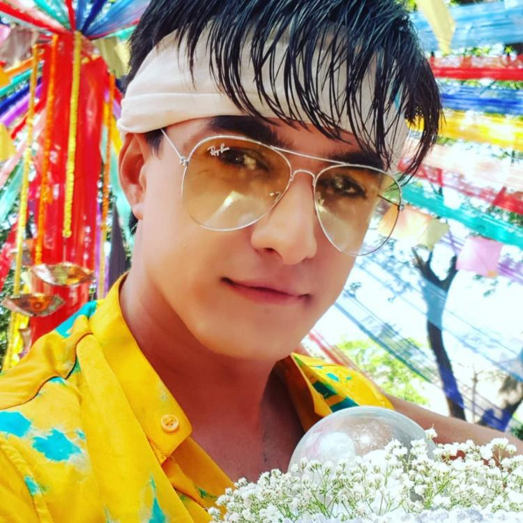 Yeh Rishta Kya Kehlata star Mohsin Khan celebrates 800 episodes milestone and Kaira's journey so far; See pics