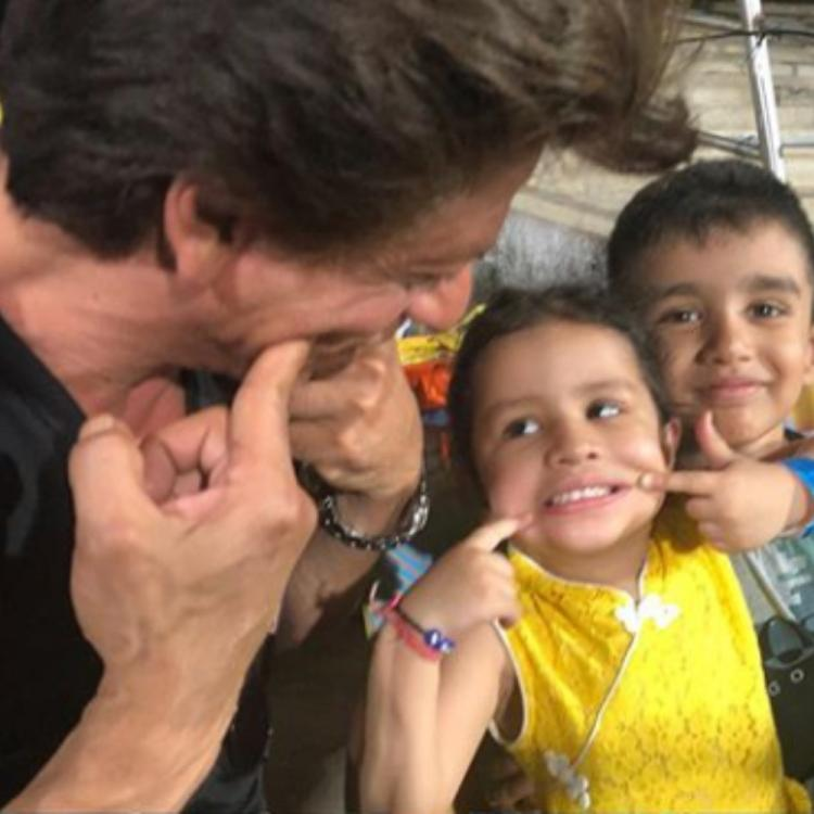 IPL 2019: These thowback pictures of Shah Rukh Khan and Ziva Dhoni posing together are too cute to handle