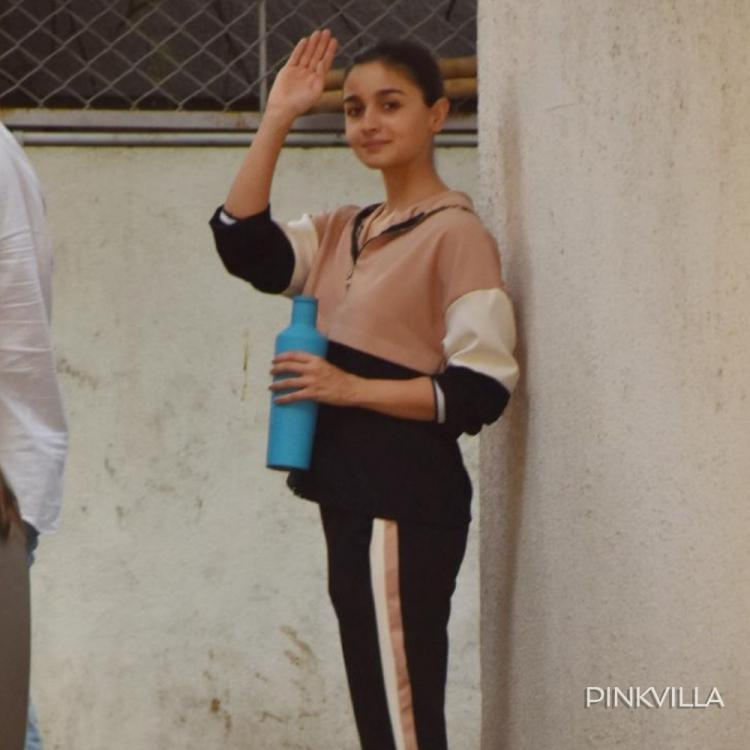 Alia Bhatt rocks her de glam avatar as she opts for a cool & casual look; See Pics