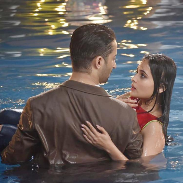 Yeh Rishtey Hain Pyaar Ke SPOILERS: Abir & Mishti's steamy romance in the pool, Will they get back together?