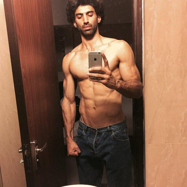 Today, Aditya Roy Kapur posted a picture on Instagram flaunting his bikini body