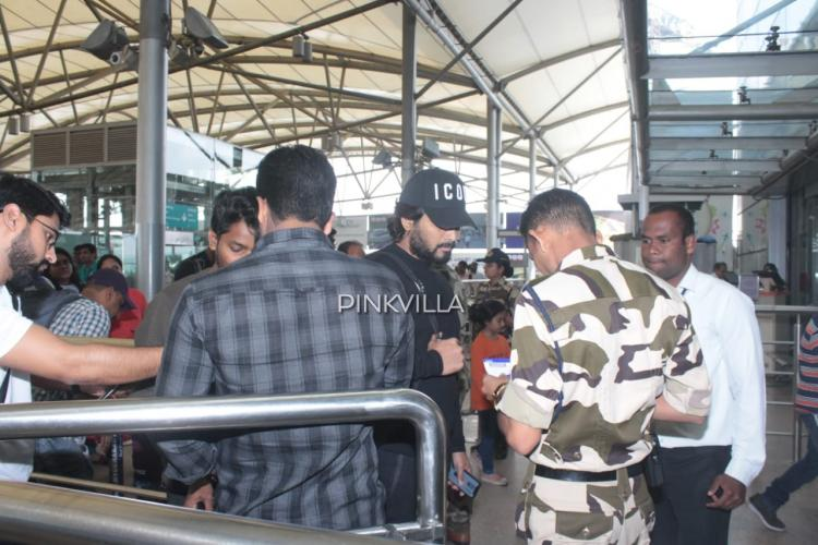 Airport Diaries: Allu Arjun clicked in all black look as he shows no starry tantrums and goes through security