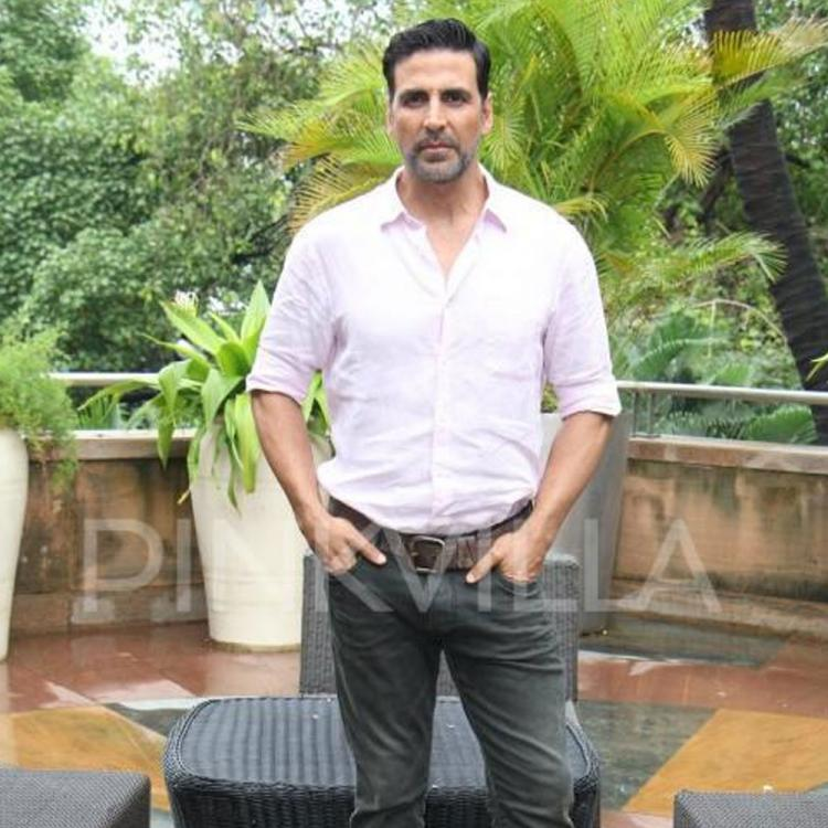 Akshay Kumar extends help to distressed daily wage workers of Bollywood; Donates 45 lakh to CINTAA