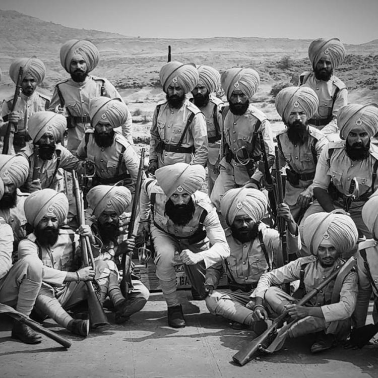 Kesari star Akshay Kumar pays a heartfelt tribute to 21 martyrs of the battle against Afghans on Saragarhi Day