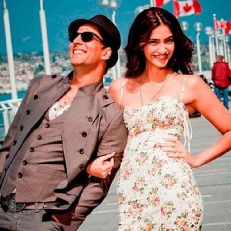 Akshay Kumar and Sonam Kapoor are all smiles in THESE throwback photos from the sets of Thank You