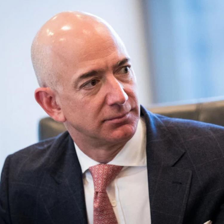 Amazon founder Jeff Bezos accuses the publishing house National Enquirer's owner of extortion