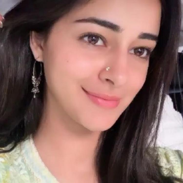 Ananya Panday takes a break from Pati Patni Aur Woh shoot and heads out for shopping therapy in Lucknow; WATCH