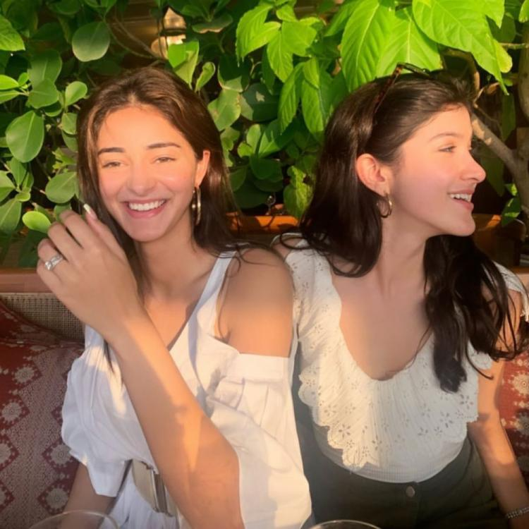 PHOTO: Ananya Panday & Shanaya Kapoor are all smiles as they get captured in a sun kissed candid