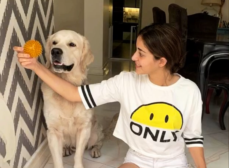 Ananya Panday is spending time with her pet Astro during quarantine period