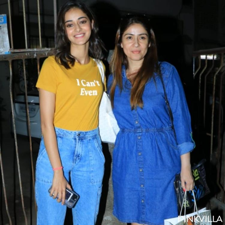 PHOTOS: Ananya Panday flashes a beaming smile as she accompanies mom Bhavana while stepping out of a salon