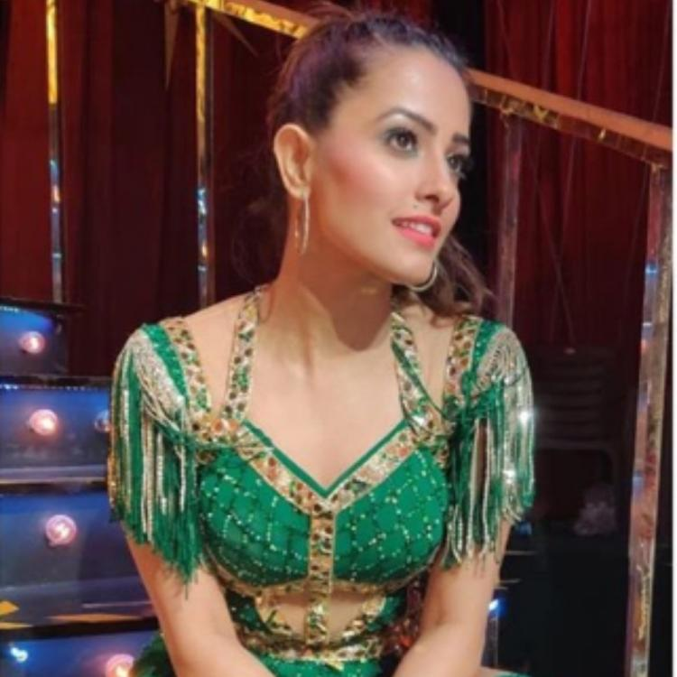 Nach Baliye 9: Anita Hassanandani looks stunning in a glittery green dress in these BTS pics; check them out