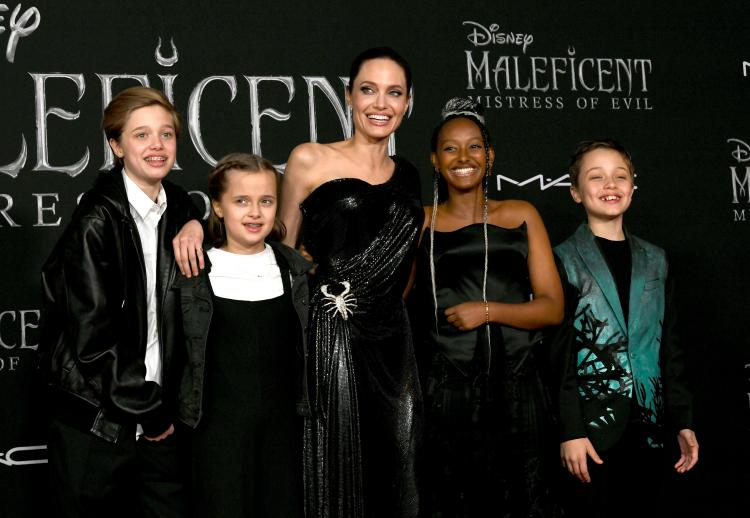 Angelina Jolie Can T Stop Gushing About Daughter Zahara At