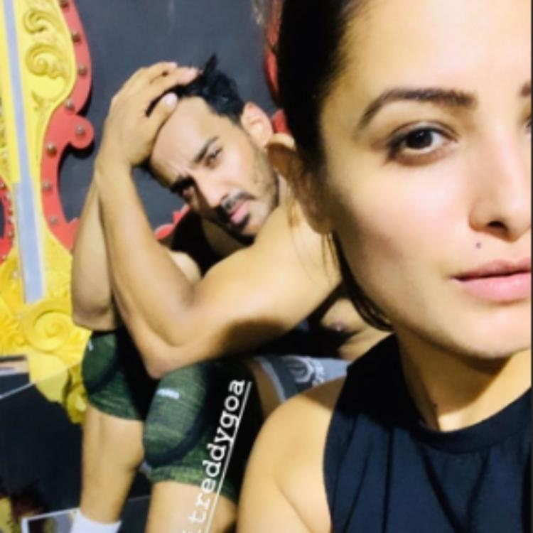 Anita Hassanandani and Rohit Reddy prove that they are fitness freaks in this BTS pic; Take a look