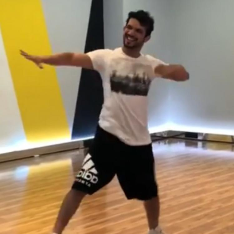 Arjun Bijlani's zestful dance on Dhating Naach will make you want to groove right away; Watch Video