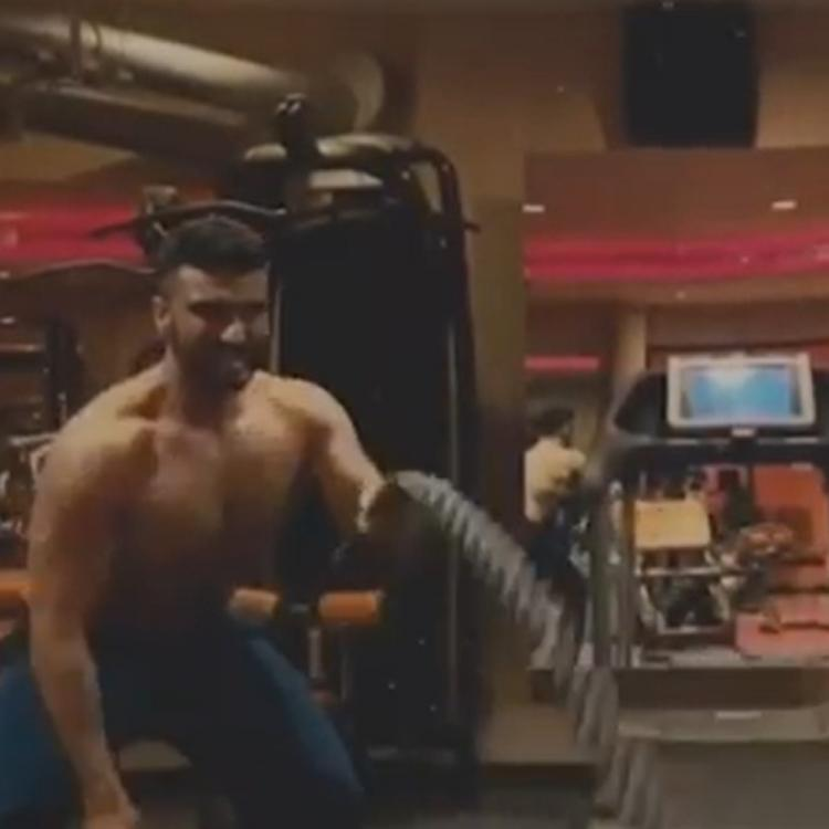 Arjun Kapoor ups his fitness game; aces battle rope exercise like a pro; WATCH VIDEO